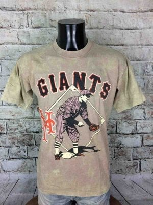 T-Shirt Giants, Marque Nutmeg Athletic Dept, Cooperstown Collection, Made in USA, Véritable Vintage Année 90, Licence Officielle MLB, Patch, Taille M, Couleur Beige,New York Baseball Old School Homme