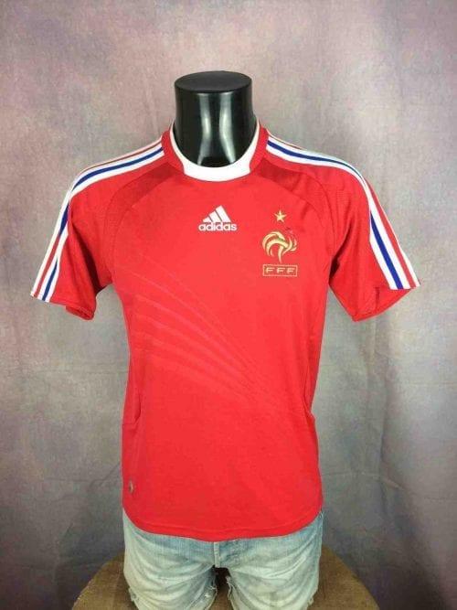 Maillot FRANCE, saison 2008 2009 , modèle Away, de marque Adidas, daté du 02/08, technologie ClimaCool, Taille 14A - S, Couleur Rouge, Jersey FFF Euro Cup Football