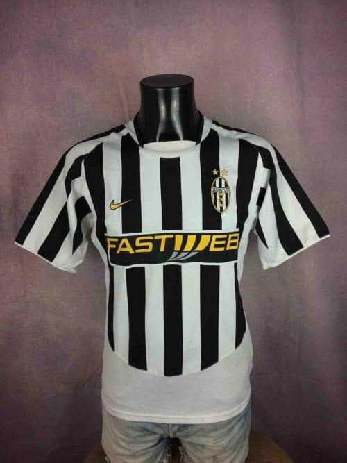 Maillot Juventus, version Home, saison 2003 2004, de marque Nike, Véritable Vintage Années 00, Made in Bulgaria, Taille M, Couleur Noir- Blanc, Italy Serie A Football Homme