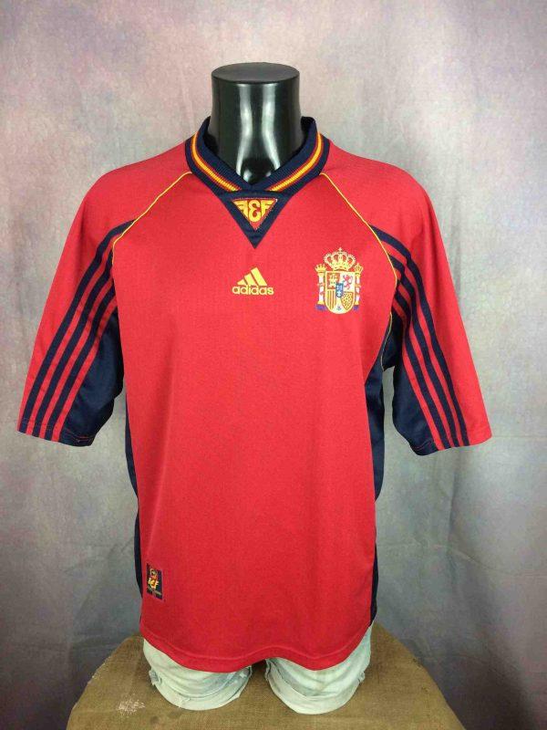 Maillot SPAIN, saison 1998 1999, modèle Home , de marque Adidas, Made in Portugal, Véritable vintage années 90, Jersey Camiseta Espagne World Cup