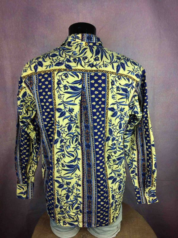 VINTAGE 90s Chemise Boutons Nacre Provence Gabba Vintage 1 scaled - Chemise Provence VintageAnnées 90s Boutons Nacres Bleu Jaune Gardian Camargue Sud Feria Shirt Homme
