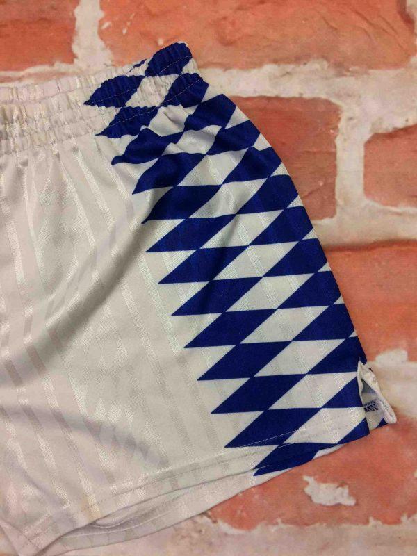 ADIDAS Shorts VTG 90s Made in Tunisia OM Gabba Vintage 4 scaled - ADIDAS Shorts Vintage Années 90 OM Football