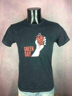 T-Shirt GREEN DAY, American Idiot 2005 Tour, double face avec liste des dates, Official License, marque Fruit Of The Loom, Véritable vintage 00s,  Concert