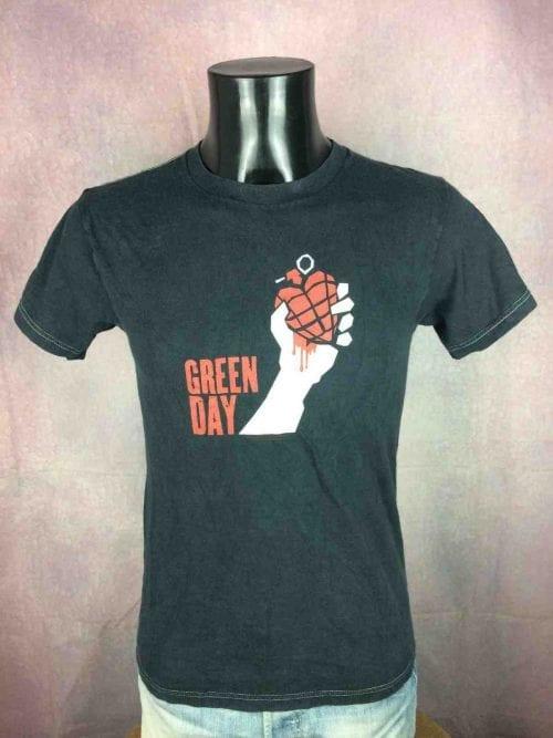 T-Shirt GREEN DAY, American Idiot 2005 Tour, double face avec liste des dates,Official License, marqueFruit Of The Loom, Véritable vintage 00s, Concert