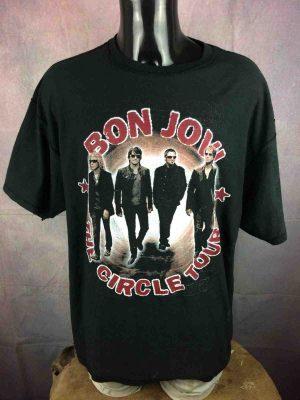 UNIQUE! 2 Tshirt in 1! BON JOVI The Circle Tour 2010 / The Whispers Teena Marie 2010, total double face avec les dates de chaque tournée au dos, Rock Concert