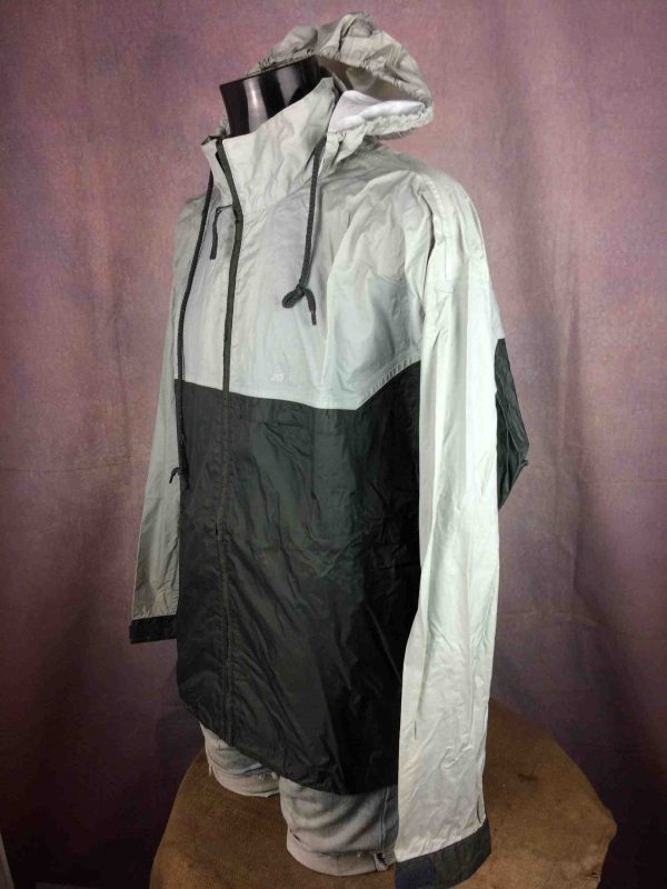 ADIDAS Rain Jacket Windproof Vintage 2001 Gabba Vintage 2 scaled - Veste Imperméable Adidas Vintage 2001 Sport