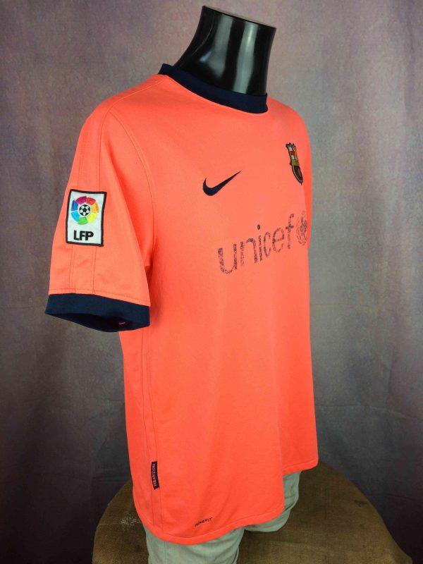 BARCELONA FC Jersey Ibrahimovic 9 2009 Nike Gabba Vintage 3 scaled - BARCELONA FC Jersey Ibrahimovic #9 2009 Nike