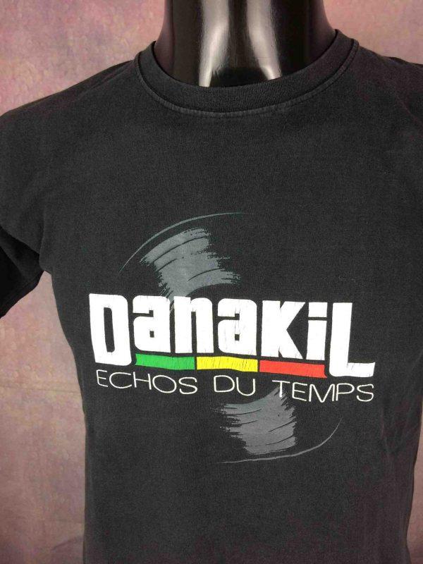 T-Shirt DANAKIL, édition On Tour 2011 Echo du Temps, double face avec liste des dates au dos, Official License, marque Fruits Of The Loom,Album Tuff Gong Kingston Reggae World Music