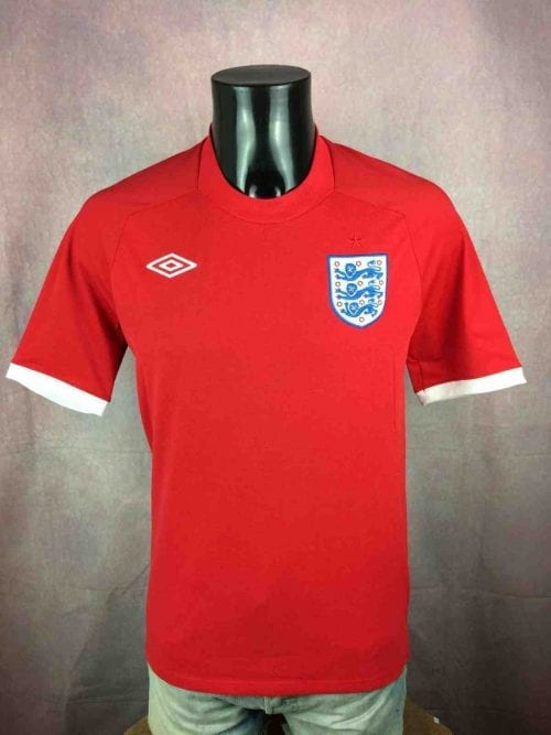 Maillot Angleterre, Saison 2010 2012, Version Away, Marque Umbro, Taille S, Couleur Rouge et Blanc,World Cup 2010, Jersey England Football Homme