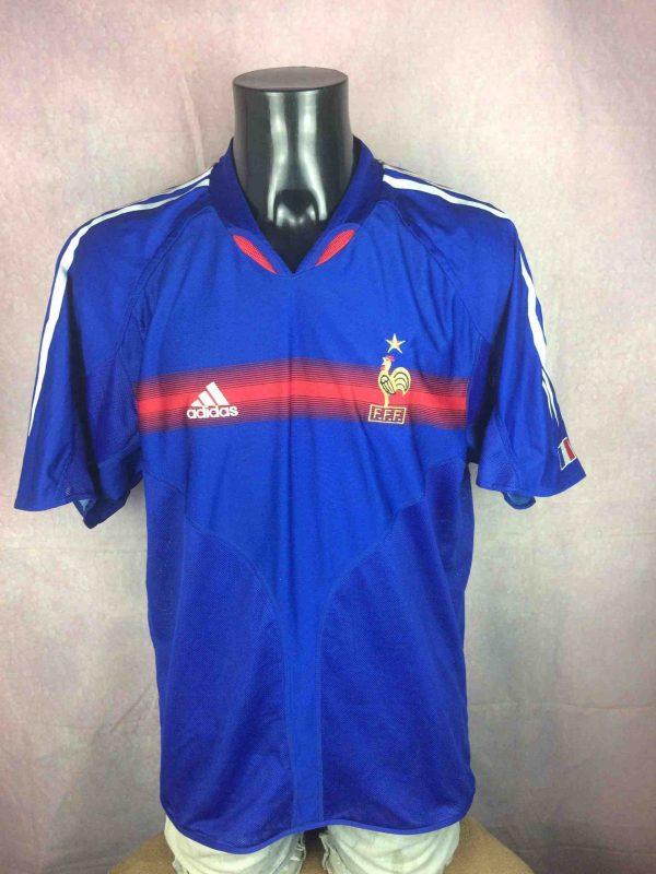 Maillot FRANCE, saison 2004 2006, version Home, réalisé par Adidas et daté du 04/04, avec technologie Climacool, Made in Portugal,Euro CupFFF Jersey Camiseta Trikot Football