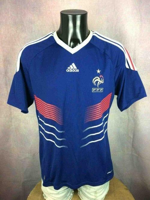 Maillot FRANCE, saison 2009 - 2011, version Home, réalisé par Adidas et daté du 09/09, avec technologie ClimaCool,World Cup Mundial FFF Jersey Camiseta Trikot Football