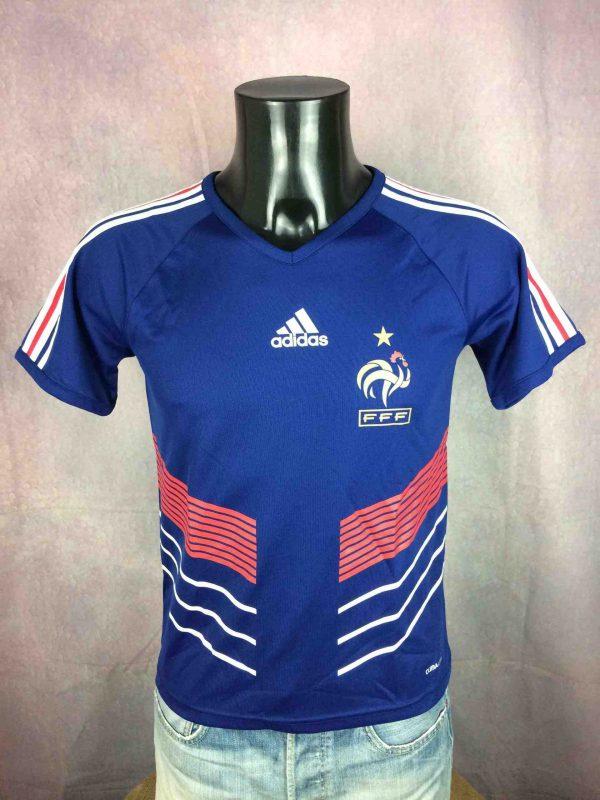 Maillot FRANCE, saison 2009 - 2011, version Home, réalisé par Adidas et daté du 02/10, avec technologie Climalite, World Cup Mundial FFF Jersey Camiseta Trikot Football