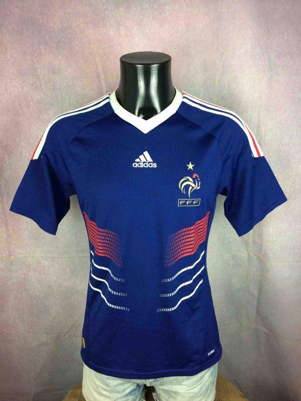 Maillot FRANCE, saison 2009 - 2011, version Home, réalisé par Adidas et daté du 09/09, avec technologie ClimaCool, World Cup Mundial FFF Jersey Camiseta Trikot Football