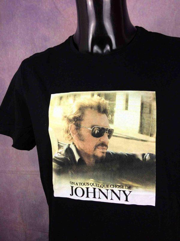 T-Shirt JOHNNY HALLYDAY, édition On A Tous Quelque Chose De Johnny, Official License, marque JH, année 2018, Legends Rock France Concert