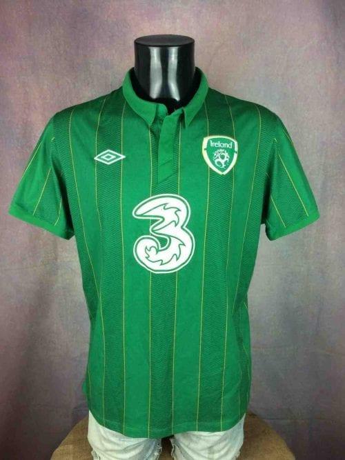 Maillot Irlande , Saison 2011 - 2012, version Home, Marque Umbro, Taille L, Couleur Vert etBlanc, Euro Cup 2012 FAI Republic Ireland Eire Jersey Football Homme