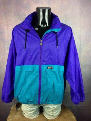 "K-WAY International Rain Jacket Veste Impermeable True Vintage 90s Nylon Hood - M - 22€ KWAY International True Vintage 90s MENSURATIONS : Taille indiquée / Tag Size:L (= M) - d'aisselle à aisselle = 66 cm environ / armpit to armpit: 25.98"" - du col au bas du vêtement = 78 cm environ / from collar to bottom: 30.7"" - manches : 54 cm / sleeves: 21.25"" 100% nylon LEGERES TRACES USURE - VERY GENTLY USED 250g"