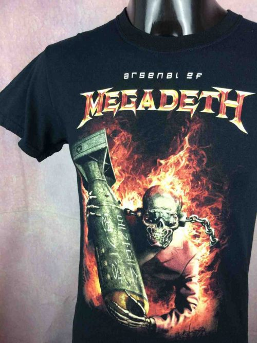 T-Shirt MEGADETH, édition Arsenal of Megadeth, Année 2010, Official License, marque Gildan, Thrash Metal Big Four Concert