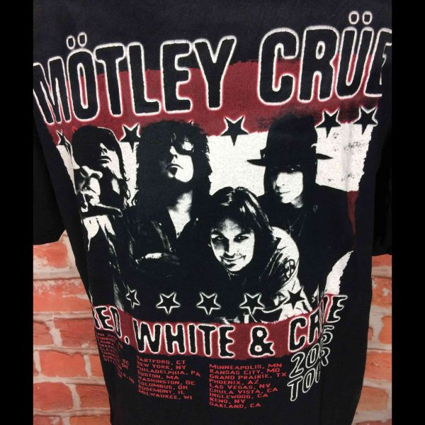 MOTLEY CRUE T Shirt Red White Crue Tour 2005 Gabba Vintage 1 resultat scaled - MOTLEY CRUE T-Shirt Red White Crue Tour 2005