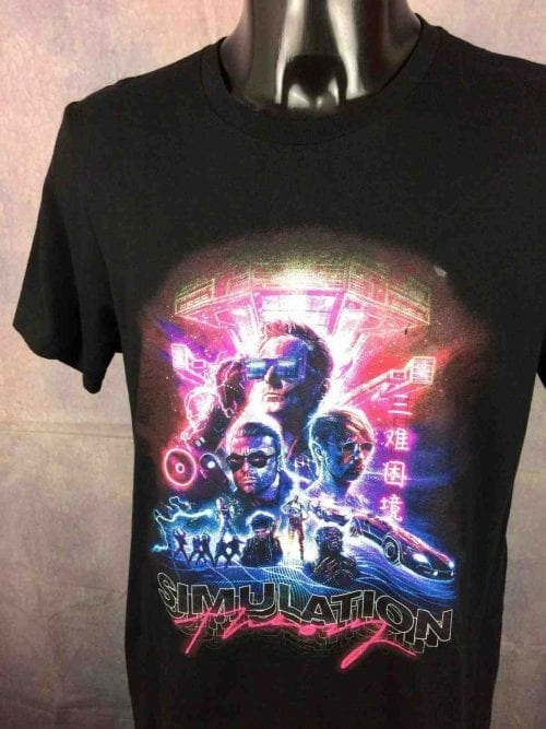 T-Shirt MUSE, édition Simulation Theory Cover Album, marque Bella + Canvas, Double Sided, Stacked Logo Tour Band Design