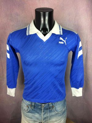 """PUMA Maillot Jersey Camiseta True Vintage 90s Made in France Football Sport - XS - 15€ PUMA True Vintage 90s Made in France  MENSURATIONS : Taille indiquée / Tag size: S (= XS) - aisselle à aisselle =42 cm / armpit to armpit: 16.53"""" - du col au bas du vêtement = 56 cm / from collar to bottom: 22.04"""" 70% polyester / 30% coton 161g LEGERES TRACES USURE - VERY GENTLY USED"""