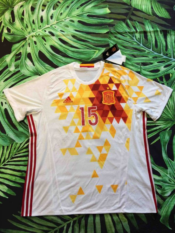 Maillot Espagne, saison 2015 - 2017, version Away, Floqué Ramos N°15, réalisé par Adidas et daté du 09/15, avec technologie ClimaCool, SpainEuro CupJersey Camiseta Trikot Football