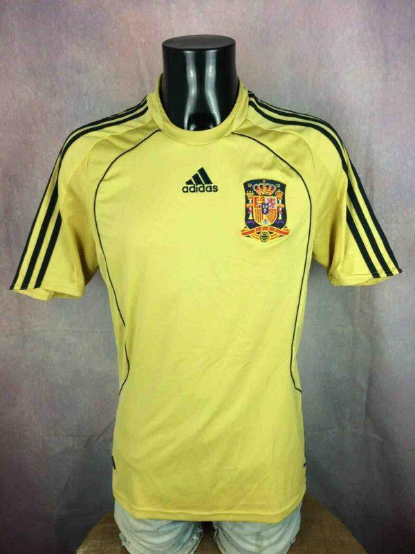 Maillot ESPAGNE, saison 2008 2010, version Away , réalisé par Adidas et daté du 01/08, avec technologie Clima365, Spain UEFA Euro Jersey Camiseta Trikot Football