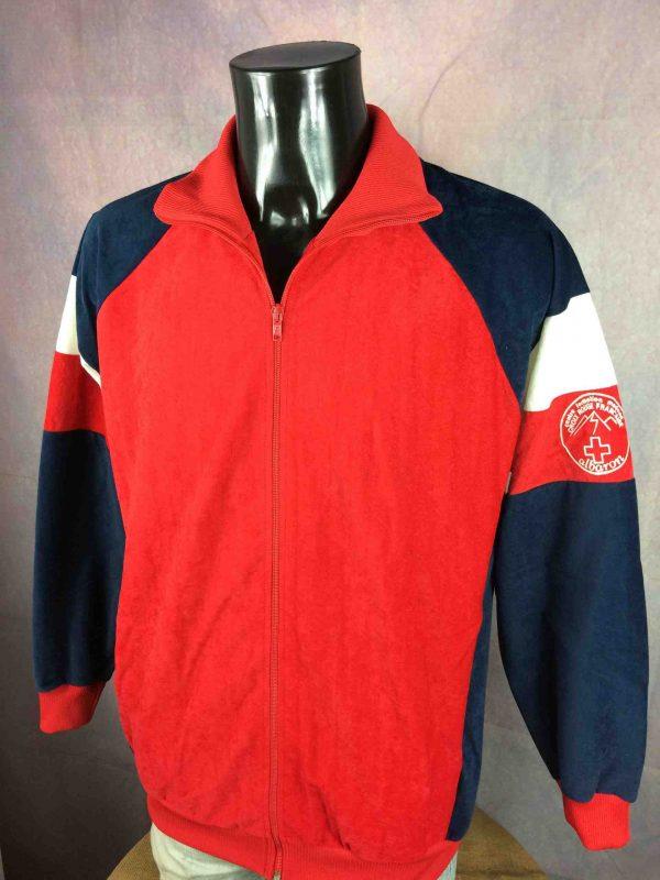VINTAGE 80s Veste Made in France Croix Rouge Gabba Vintage 2 scaled - VINTAGE 80s Veste Made in France Croix Rouge