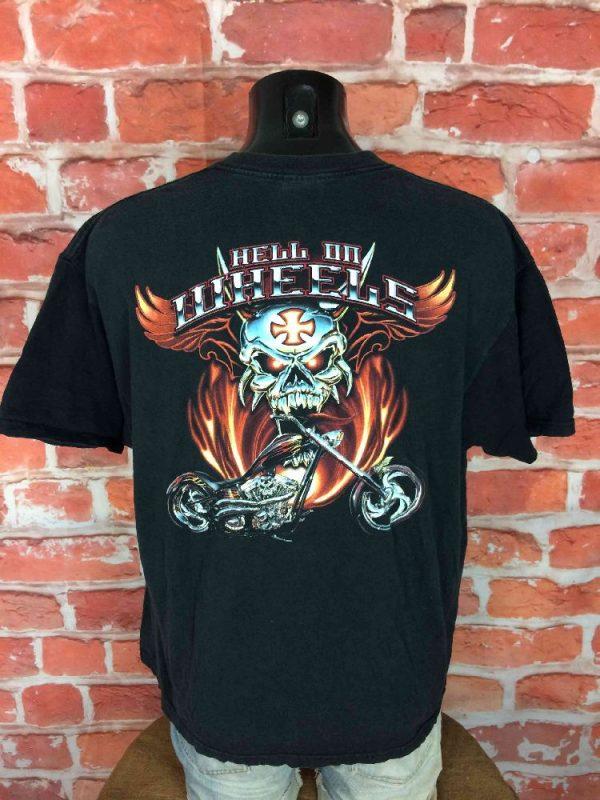 T-Shirt HELL ON WHEELS, véritable vintage années 00s, Marque Delta, Knit in USA,Pur coton, Dos imprimé avec visuel, Biker Chopper Motorcycle Chrome