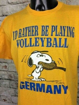 T-Shirt SNOOPY, Véritable vintage Années 80, Made in USA, Marque Artex I'd Rather Be Playing Volleyball Germany Tennis Peanuts