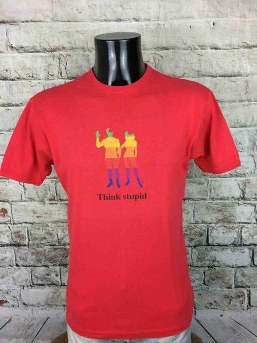 T-Shirt Think Stupid, Véritable Vintage Années 00s, Marque Kulte, Modèle Robert, Taille M, Couleur Rouge, Logo Apple Geek Computer PC Macintosh Punk OrdinateurHomme