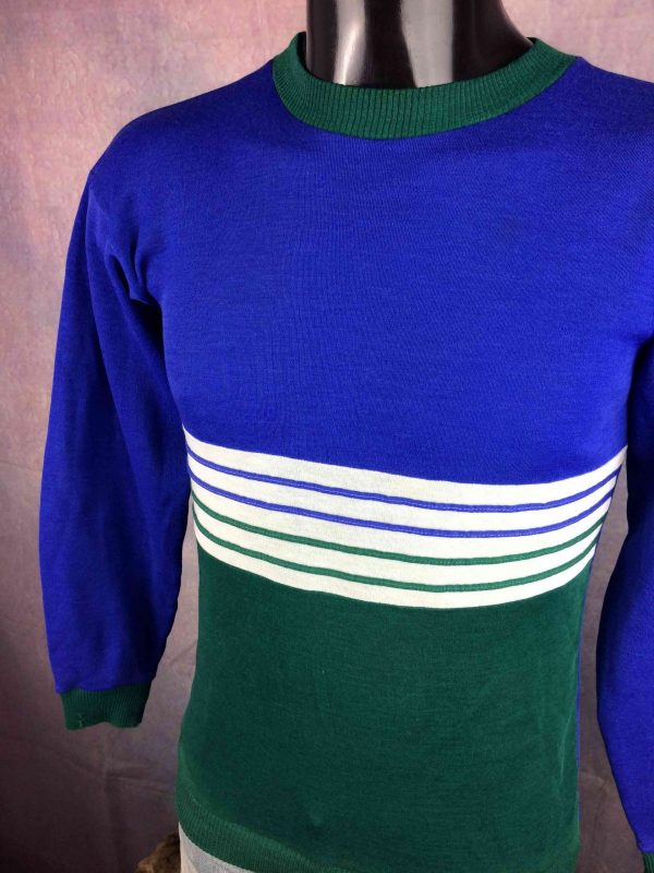 3 SUISSES Sweatshirt Made in France Vintage Gabba Vintage 9 scaled - 3 SUISSES Sweatshirt Made in France Vintage