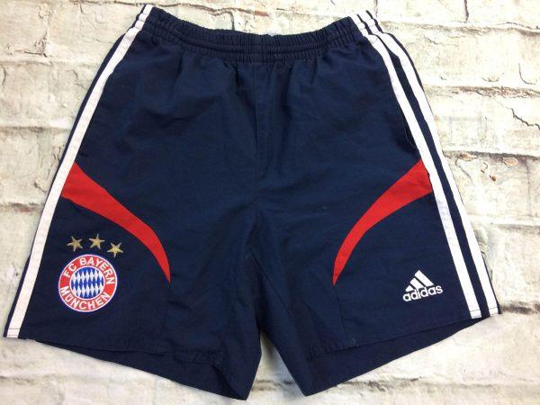 Shorts BAYERN MUNICH, saison 2006 2007, de marque Adidas, écusson et étoiles brodés, élastique et cordon de serrage, 2 poches, FootballMunchen Bundesliga