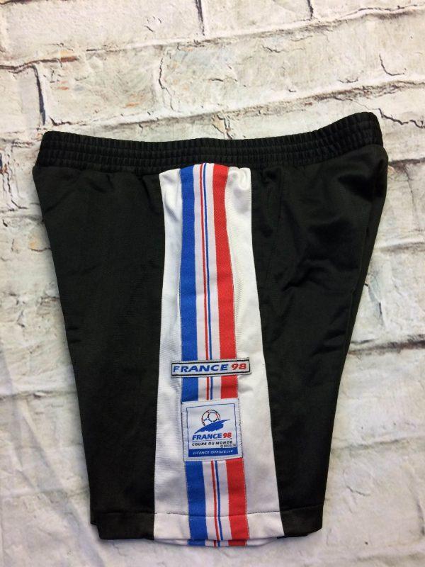 Shorts FRANCE 98, véritable vintage années 90s, avec patch cousu, élastique et cordon de serrage, licence officielle, Made in Bulgaria, moulant, football