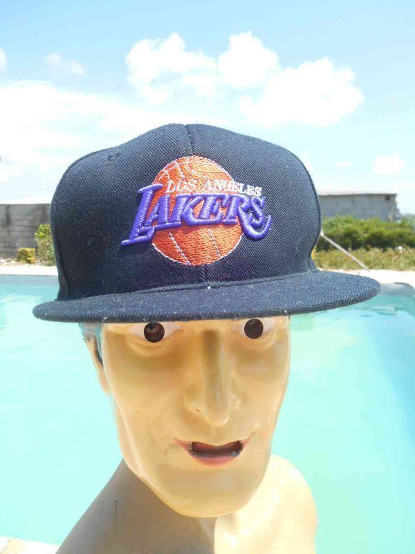 Casquette LOS ANGELES LAKERS, Made in Indonesia, Logo et Lakers brodés, Cap Gorra Hat Old School Basketball NBA LA USA Champion