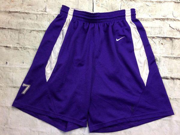 Shorts NIKE Team, avec Red Tag, Vintage 00s, Made in Honduras, floqué N°7, taille élastique et serrage cordon, Sports Basketball