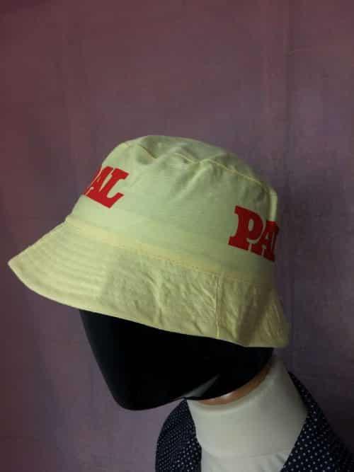 Bob Pal, Véritable Vintage année 80s, Marque Arela Paris, Made in Honk Kong, Taille 58, Couleurs Jaune et Rouge, Publicité France Bucket Hat Unisexe