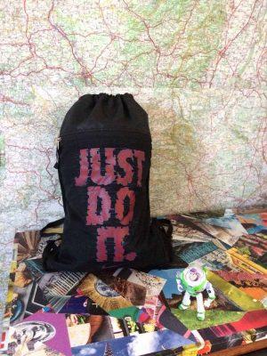 Sac à dos NIKE, réglable, Bretelles réglables, 1 grand compartiment divisé avec grille d'aération au fond du sac, 1 poche zippée sur le devant, 100% Polyester, Design, Sac à dos, Bag