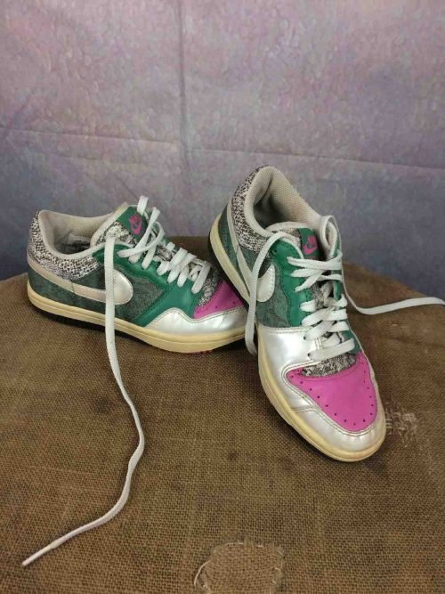 Chaussures Sneakers NIKE, modèleCourt Force Low 2008, Basketball US: 6,5 UK: 4 EUR: 37,5 Retro Vintage