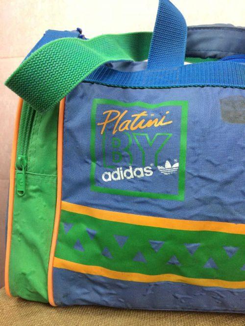 Sac de Sport Platini by Adidas, Marque Adidas West Germany, Véritable vintage années 80s, Bandoulière réglable et détachable, 2 poignées de transport