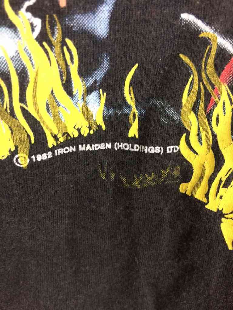 T Shirt IRON MAIDEN The Number Of The Beast Vintage 1982.. 4 - Iron Maiden 1982 édition The number of the beast: le T-shirt vintage du jour