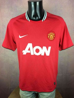 Manchester United Maillot, Saison 2011 - 2012, Modèle Home, Marque Nike, Made in Indonesia, Taille M, Couleur Rouge et Blanc, Football Homme