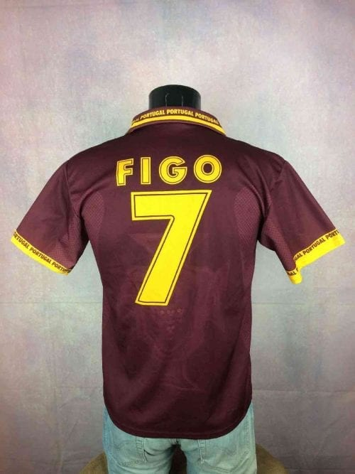 PortugalMaillot,Figo N°7, Saison 2001 - 2002, Modèle Home,Replica (No Adidas), Made in Italy, Taille S, Couleur Rouge et Jaune, Football Homme