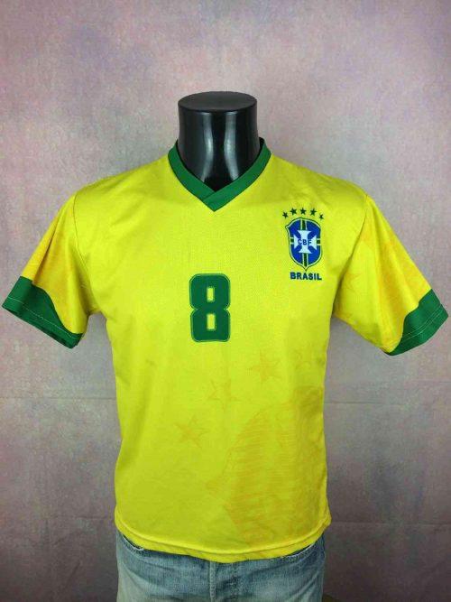 2.Maillot Brasil Kaka N°8 Vintage 00s Replica (2)
