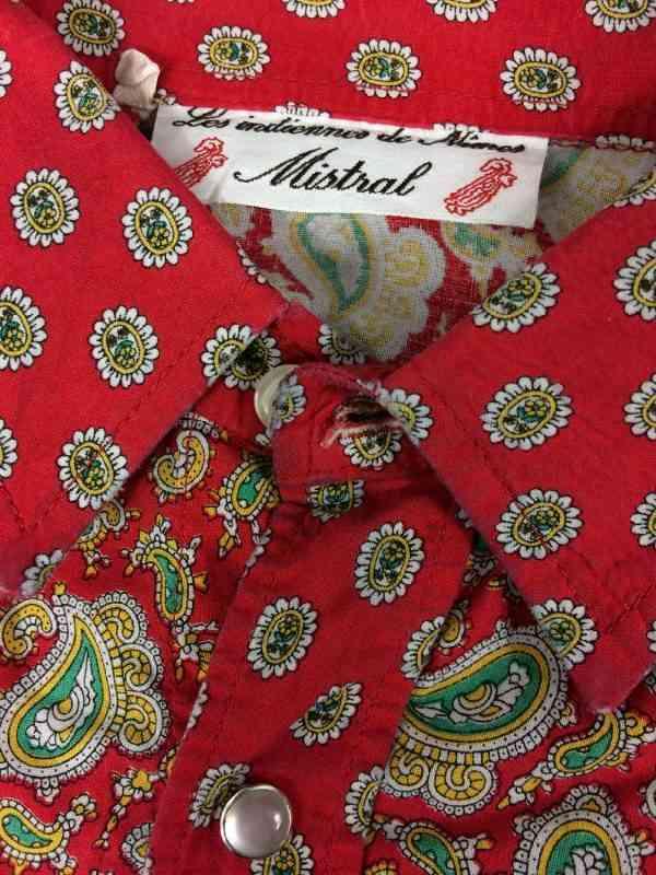 MISTRAL Les Indiennes de Nimes Chemise Provence Rouge 1 - MISTRAL Les Indiennes de Nîmes Chemise Provence Rouge Vintage Années 90 Gardian Camargue Sud Feria Homme