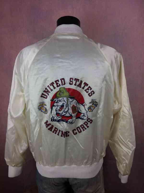 Veste UNITED STATES MARINE CORPS, Vintage Année 80s 1983, de marque Soffe Jackets, Made in USA, 100% nylon, doublé intérieur, Doublé, Bulldog Armée Starter