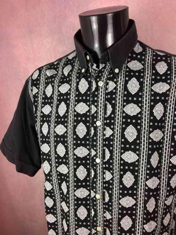 Chemise Provence de marque Valdrôme, Made in France, Vintage Années 90, Blanc et Noir, Manches courtes, Gardian Camargue Sud Feria Shirt