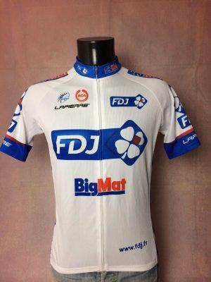 Maillot FDJ Big Mat Team, Marque Moa, Saison 2012, Sponsor Lapierre, Logo UCI World Tour, Taille L, Couleur Blanc, Rouge, Bleu, Tour de France, Course Cycle Vélo Cyclisme Homme