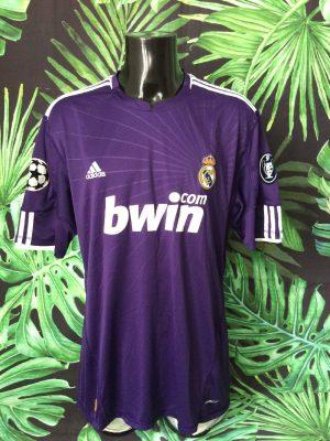 Maillot REAL MADRID, saison 2010 2011, version Third, de marque Adidas daté du 06/10, Technologie ClimaCool, Taille 2XL, Couleur Violet - Blanc, Vintage, LFP Patch Espagne Liga Football Homme