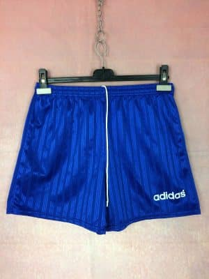 Shorts Adidas, Véritable vintage années 90s, Made in England, Pur Polyester, Taille M, Couleur Bleu et Blanc, Football Sports Homme