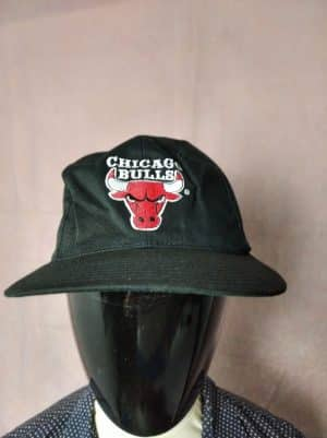 Casquette Chicago Bulls, marque Logo 7, Véritable Vintage année 90s, Visuels brodés, Official Product NBA, Taille Unique, Couleurs Rouge, Blanc et Noir, Street Cap Gorra SnapbackHat Basketball Unisexe